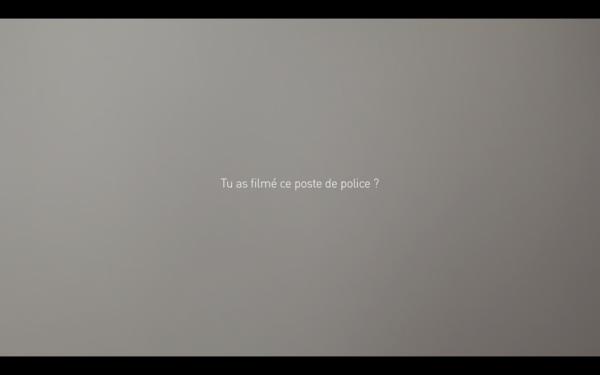 tu-as-filme-ce-poste-de-police